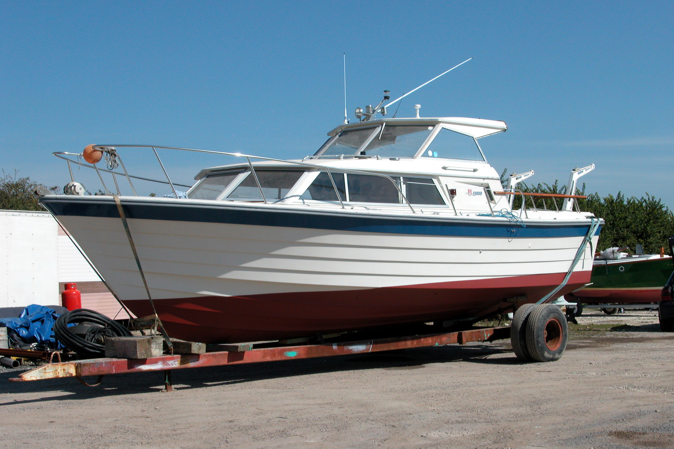Fast And Safe Motor Cruiser For Sale
